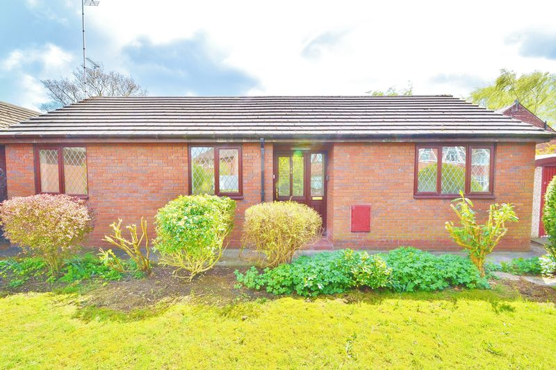 2 Bedrooms Detached Bungalow for sale in Birch Avenue, Salford