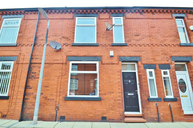 3 Bedrooms Terraced House for sale in Cedric Street, Salford