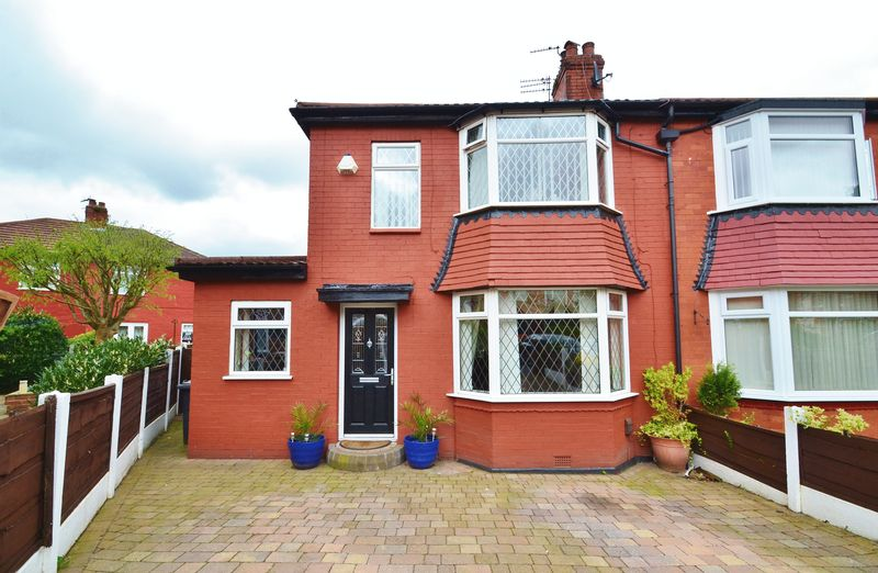 3 Bedrooms Semi Detached House for sale in Barclays Avenue, Salford