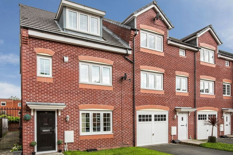 4 Bedrooms Terraced House for sale in Corbel Way, Monton