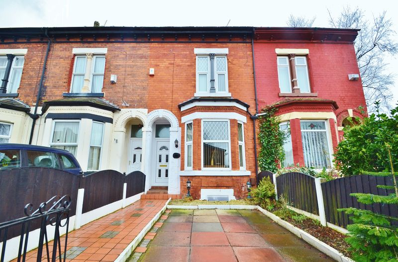 3 Bedrooms Terraced House for sale in Cromwell Road, Eccles