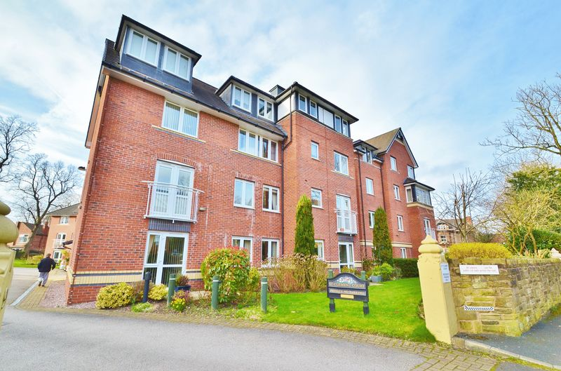 2 Bedrooms Flat for sale in Manor Avenue, Urmston