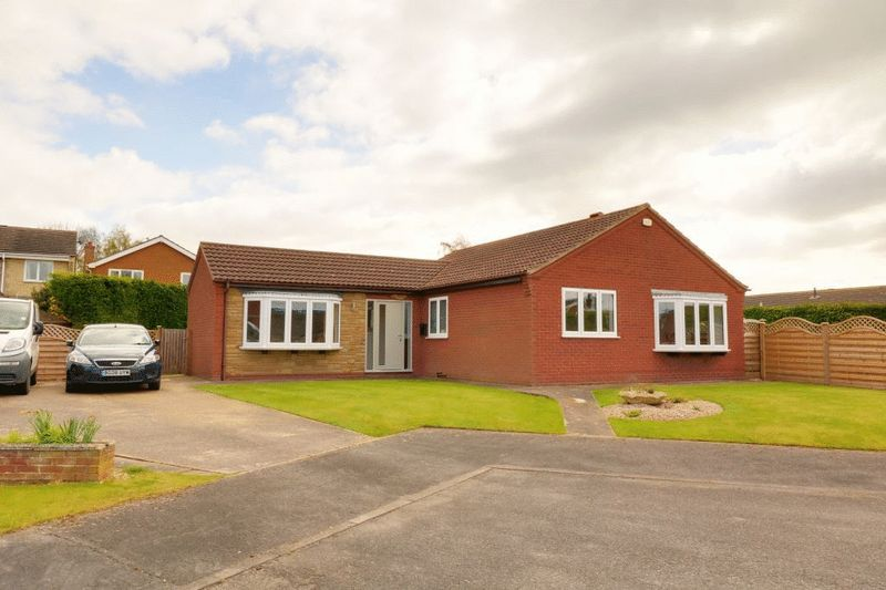 3 Bedrooms Detached Bungalow for sale in Chapel Close, Westwoodside