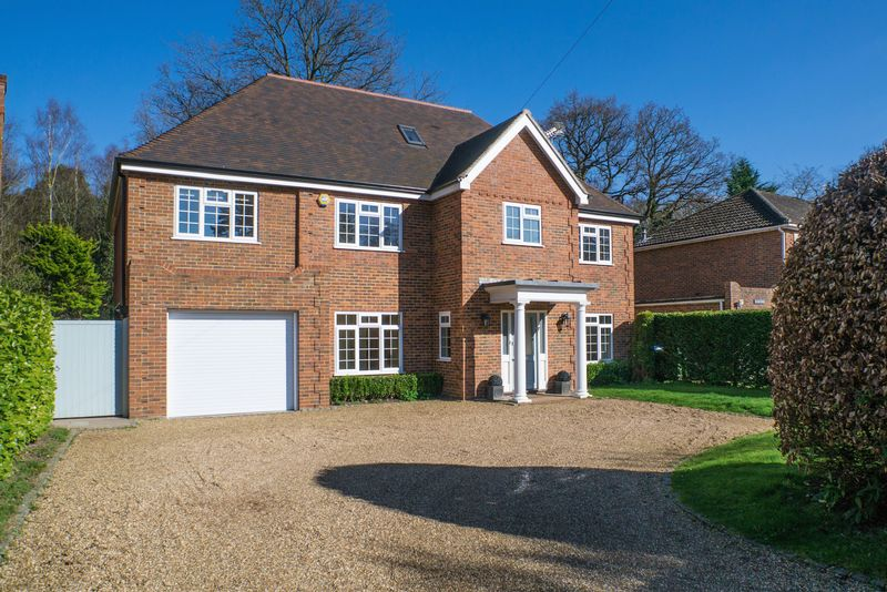 6 Bedrooms Detached House for sale in Woodside Road, Cobham