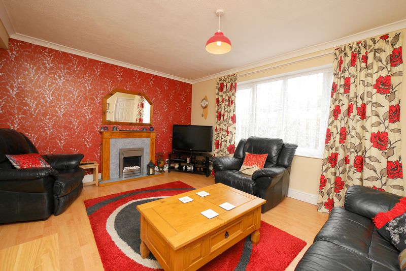 3 Bedrooms House for sale in EVENLODE DRIVE, BERINSFIELD