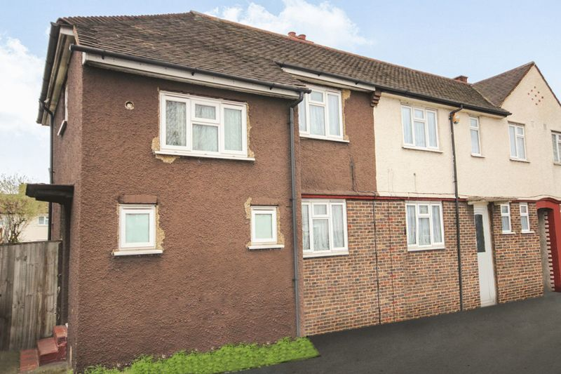 3 Bedrooms Property for sale in Purley Way, Croydon