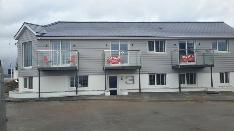 9 Bedrooms Property for sale in Beach Cottages, Ferryside