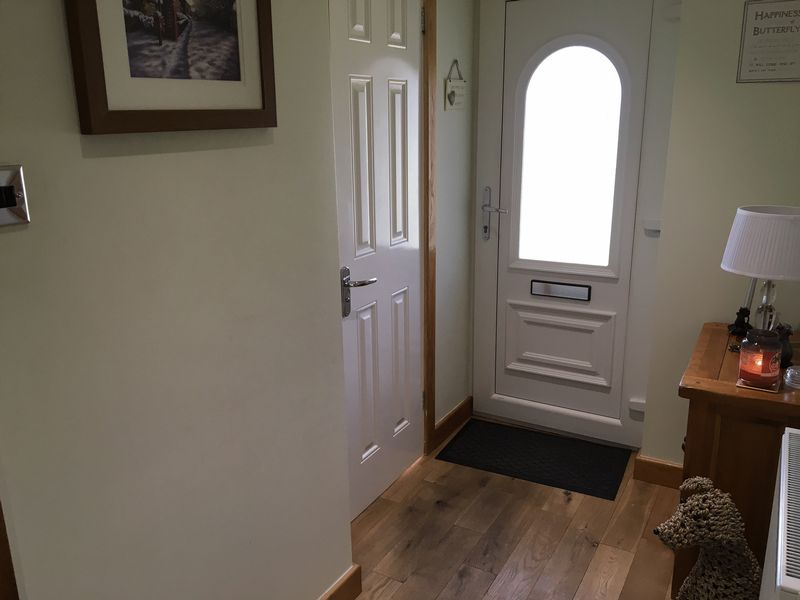 3 Bedrooms Detached Bungalow for sale in Howdenbrook, Halifax