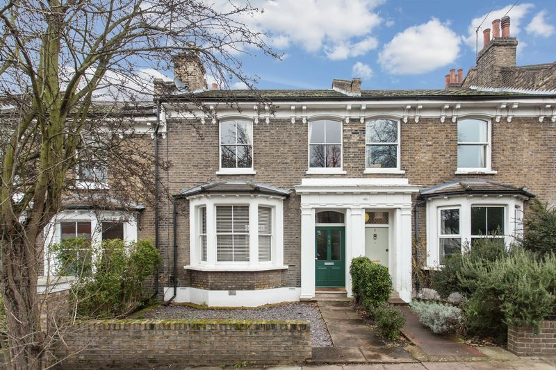 4 Bedrooms Terraced House for sale in Ashmead Road, St Johns, SE8