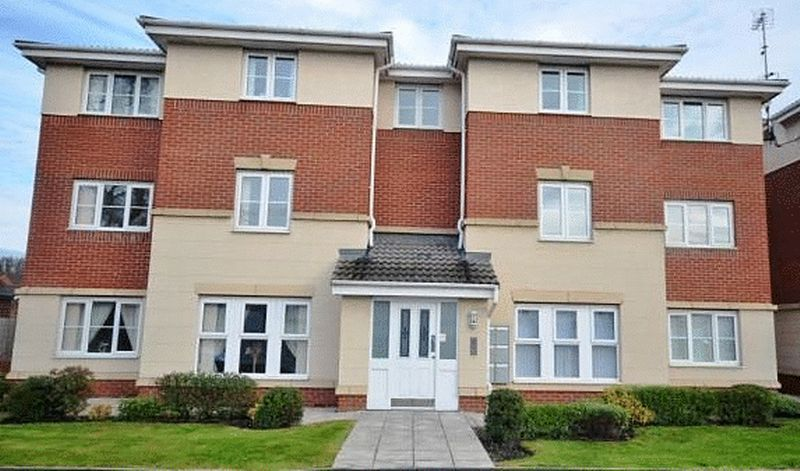 2 Bedrooms Flat for sale in Foundry Lane, Widnes