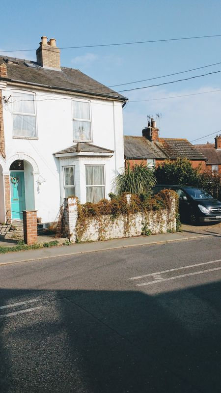5 Bedrooms Semi Detached House for sale in Church Road, Colchester