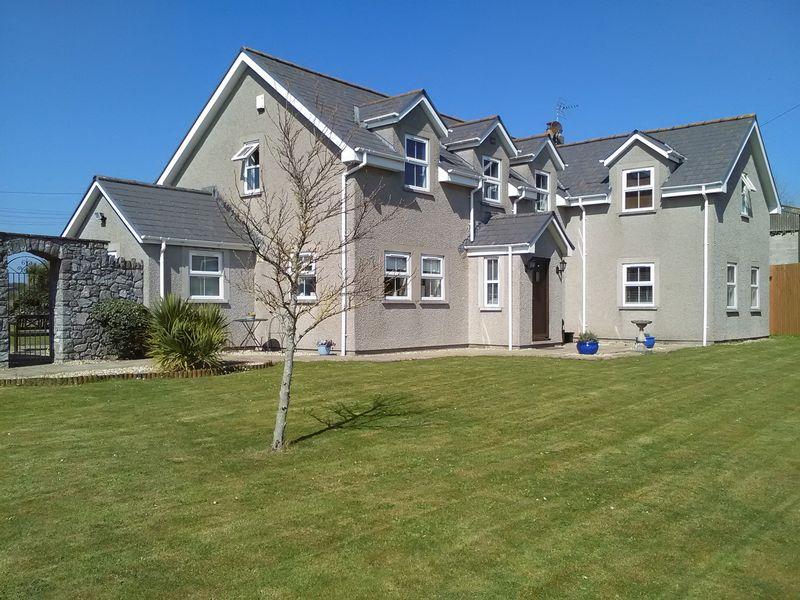 4 Bedrooms Property for sale in Zig Zag Lane, Porthcawl
