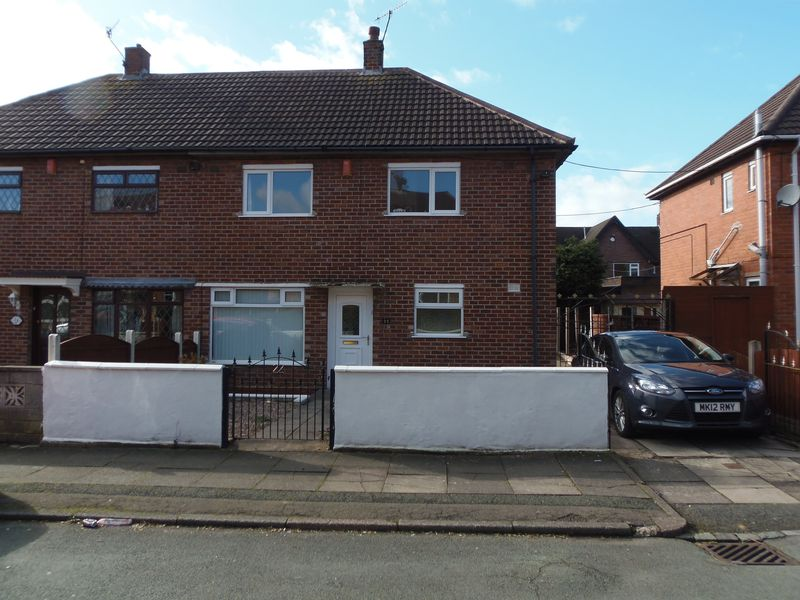 3 Bedrooms Property for sale in Ladybank Grove, Stoke-On-Trent