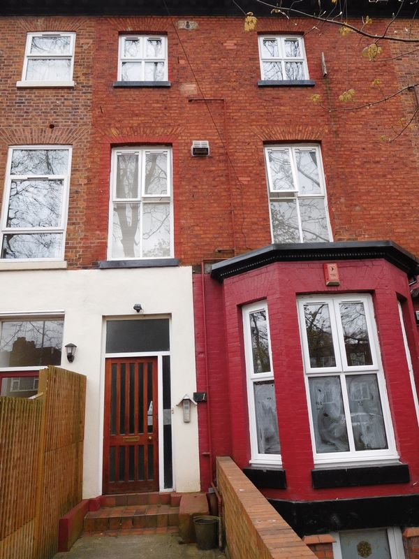 8 Bedrooms Flat for sale in Withington Road, Manchester