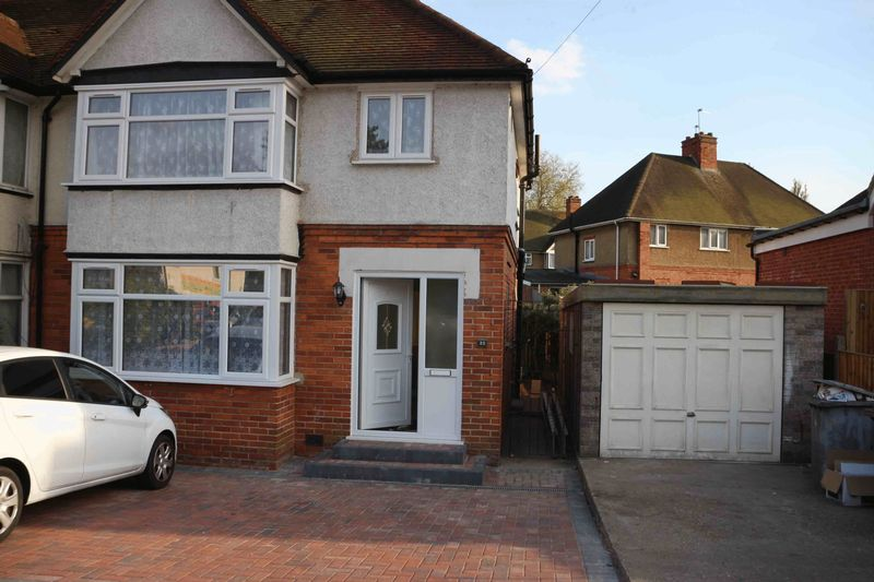 5 Bedrooms Detached House for sale in Berkeley Avenue, Reading