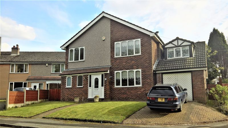 5 Bedrooms Detached House for sale in Alderbank Close, Bolton