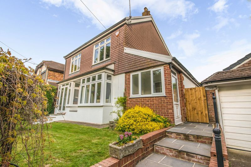 4 Bedrooms Detached House for sale in North End Lane, Orpington