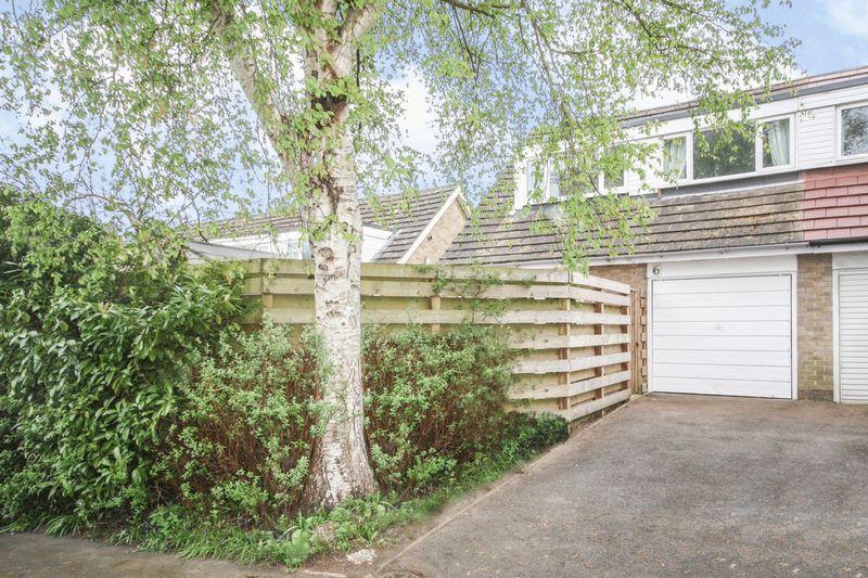 4 Bedrooms Semi Detached House for sale in Chiltern Walk, Tunbridge Wells