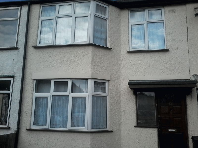 4 Bedrooms Terraced House for sale in Tudor Road, Harrow