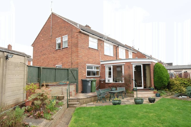 3 Bedrooms Semi Detached House for sale in Jackson Crescent, Stourport-On-Severn DY13 0EW