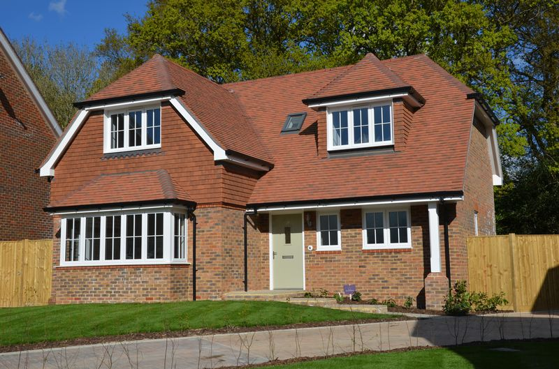 3 Bedrooms Bungalow for sale in The Hindhead (plot 25), Valeside Keep, Valebridge Road, Burgess Hill