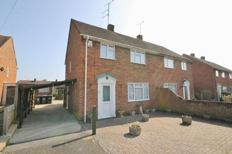 3 Bedrooms Semi Detached House for sale in The Close, Burgess Hill, West Sussex