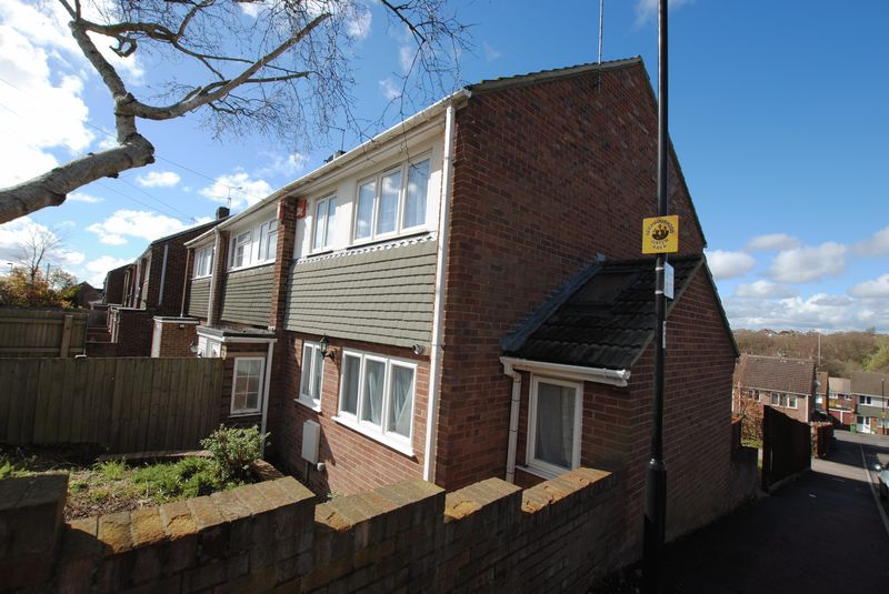 3 Bedrooms Terraced House for sale in Crowther Close, Sholing