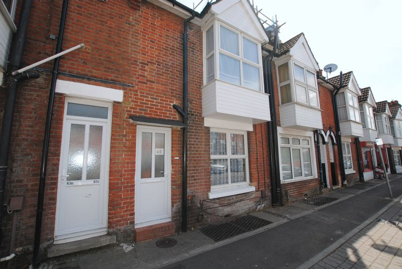 2 Bedrooms Terraced House for sale in Victoria Road, Woolston