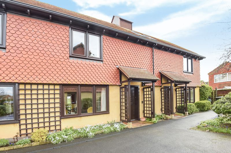2 Bedrooms Cottage House for sale in Berrow Court, Gardens Walk, Upton-on-Severn
