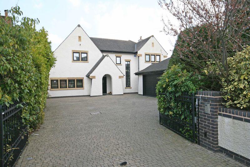 4 Bedrooms Detached House for sale in Hardhorn Road, Poulton-Le-Fylde