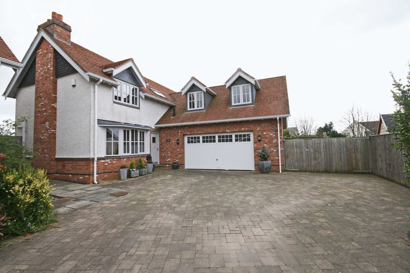 4 Bedrooms Detached House for sale in Ingol Lane, Hambleton