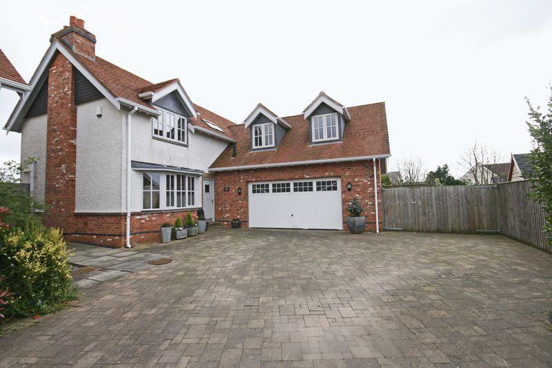 4 Bedrooms Detached House for sale in Ingol Lane, Hambleton
