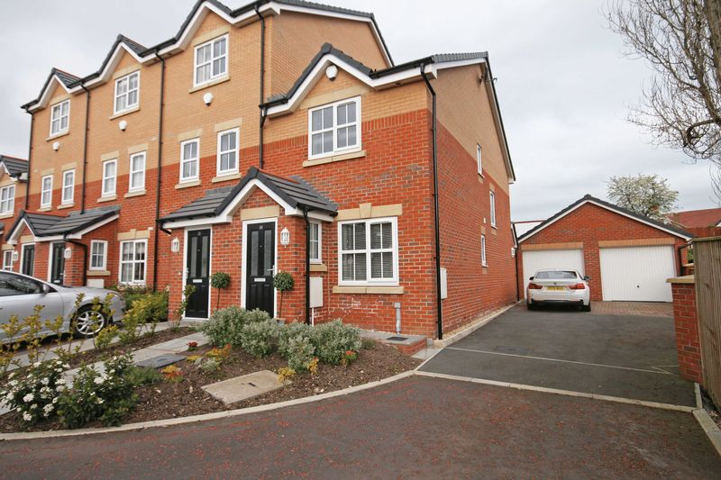 2 Bedrooms Terraced House for sale in Apple Tree Gardens, Blackpool