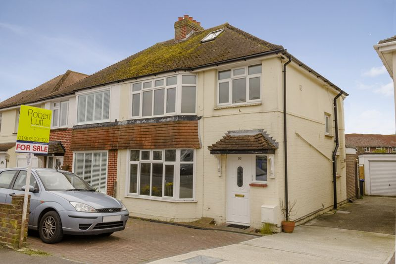 2 Bedrooms Flat for sale in Penhill Road, Lancing
