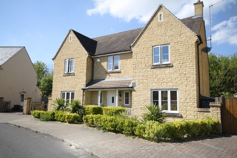 4 Bedrooms Detached House for sale in Madley Park, Witney