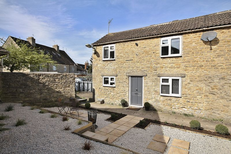 2 Bedrooms Cottage House for sale in LOWELL PLACE, Witney Town Centre OX28 6DX