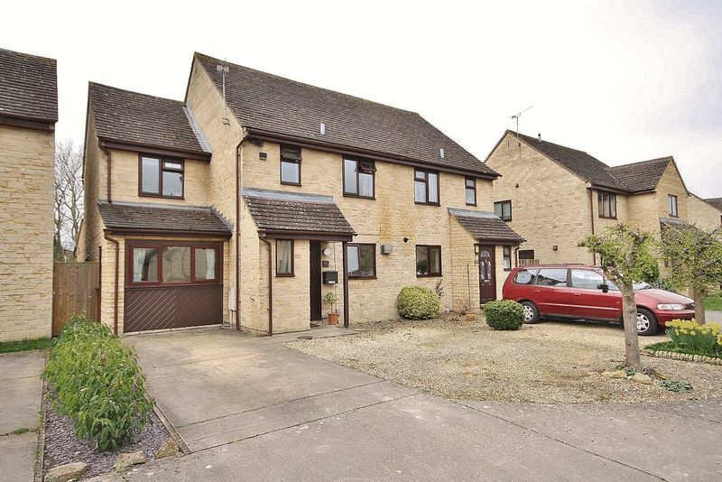 4 Bedrooms Semi Detached House for sale in MANOR ROAD, Cogges Development, Witney OX28 3UQ