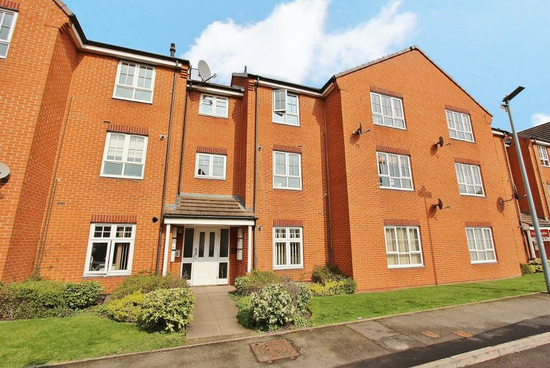 2 Bedrooms Flat for sale in Lissimore Drive, Tipton