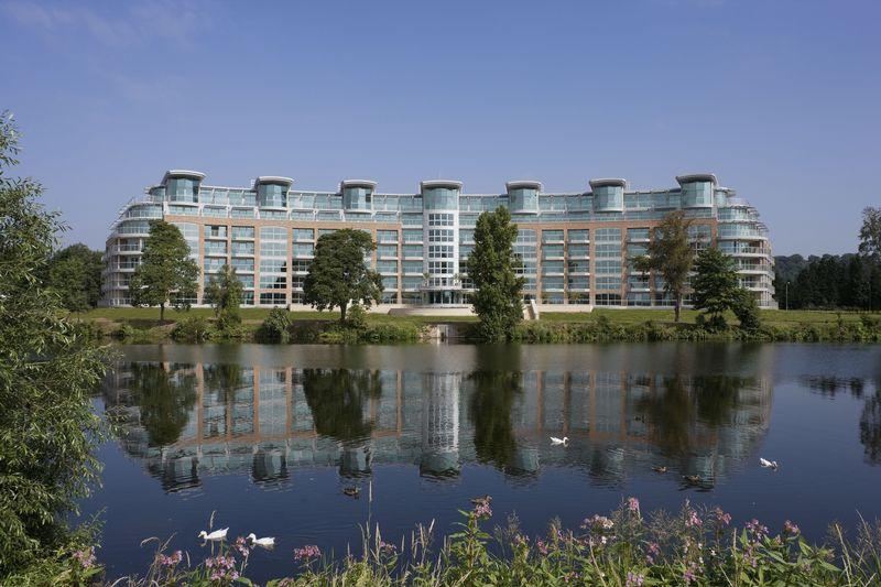 3 Bedrooms Flat for sale in River Crescent, Waterside Way, Nottingham