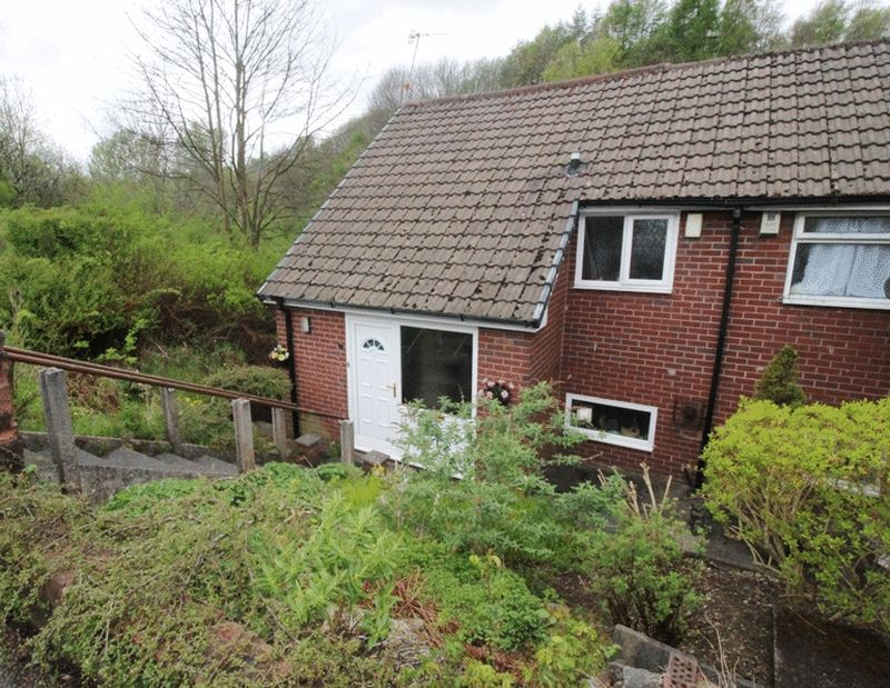 2 Bedrooms Terraced House for sale in Rhodes Avenue, Lees