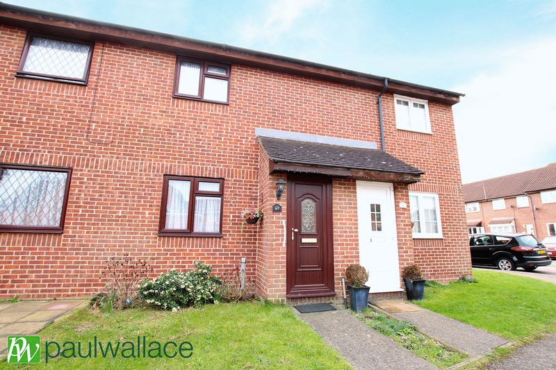 2 Bedrooms Terraced House for sale in Leaforis Road, West Cheshunt