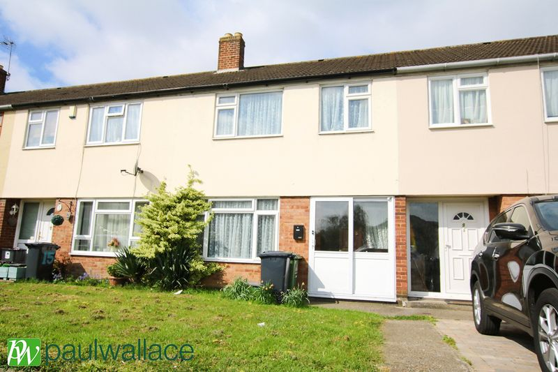 3 Bedrooms Terraced House for sale in Holme Close, Cheshunt
