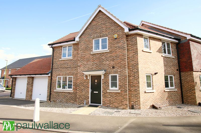 3 Bedrooms Semi Detached House for sale in Aldermere Avenue, West Cheshunt