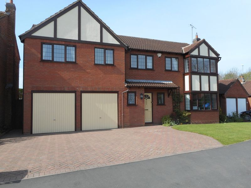 5 Bedrooms Detached House for sale in Milby Drive, Nuneaton