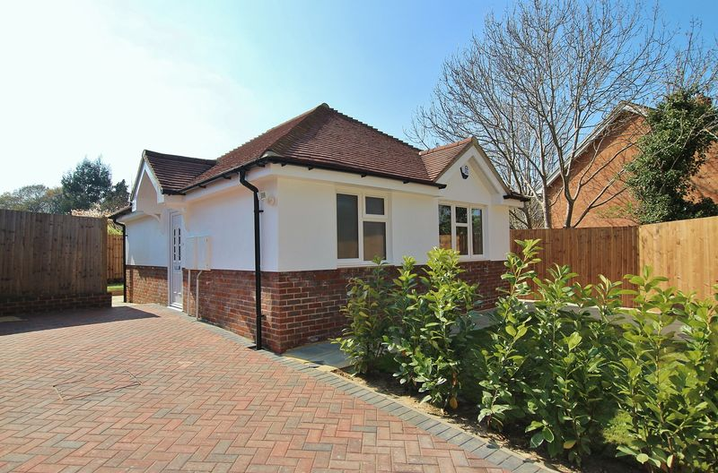 1 Bedroom Detached Bungalow for sale in Bramley