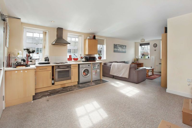1 Bedroom Property for sale in Bampton Street
