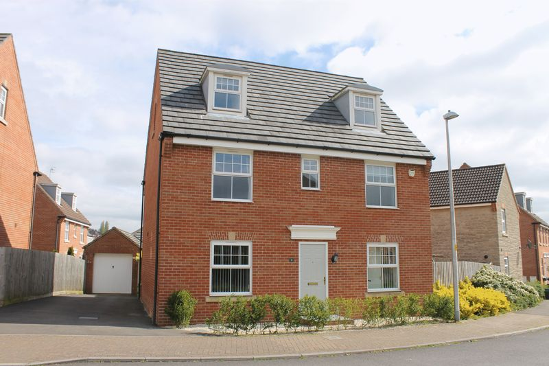 5 Bedrooms Detached House for sale in Perry Road, Long Ashton