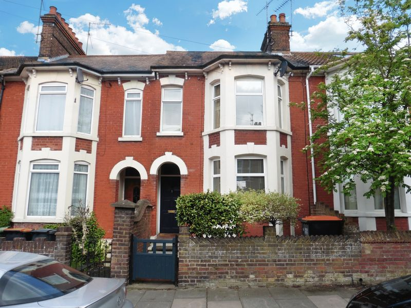 Terraced House for sale in Burr Street, Dunstable