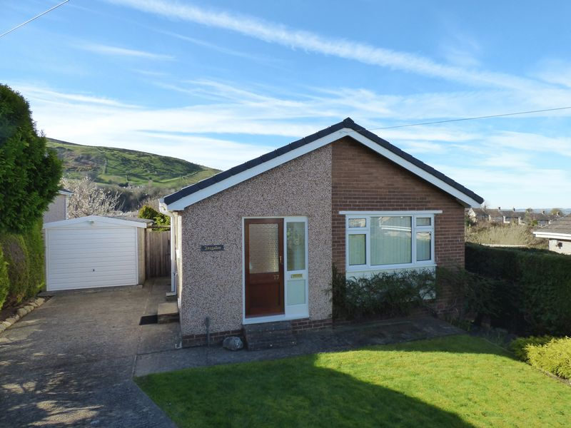 2 Bedrooms Detached Bungalow for sale in 77 Gorwel, Llanfairfechan