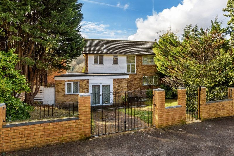 3 Bedrooms Detached House for sale in Haydn Avenue, PURLEY